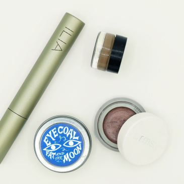 Plastic-free makeup products